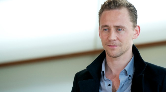 "Tom Hiddleston: ""Amo i romantici, odio gli indifferenti"""